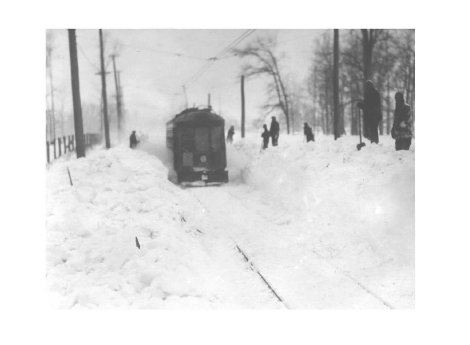 snowtrain1.jpg